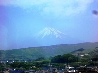 070527_新幹線の車窓から富士山.jpg