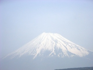 富士山(新幹線の車窓から).jpg